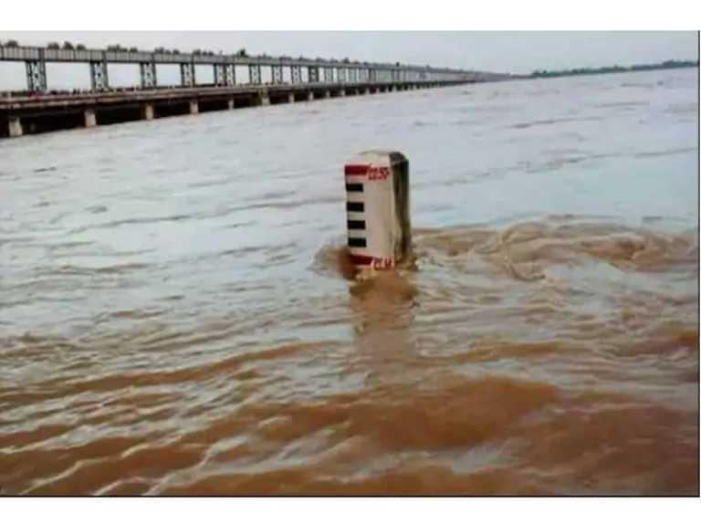 Flood alert sounded for Hyderabad's Musi river