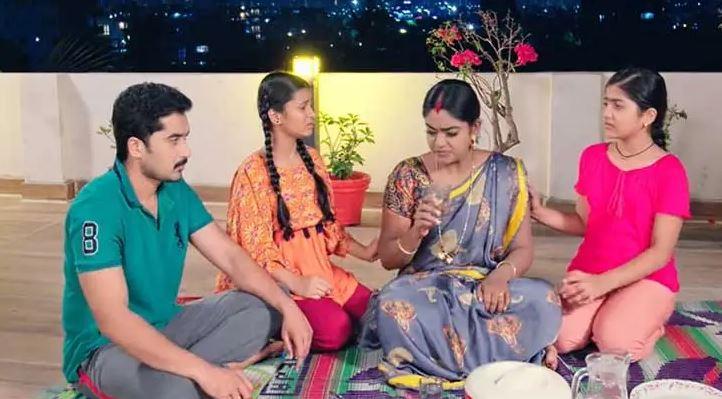 Written Episode Karthika Deepam 26th April 2021